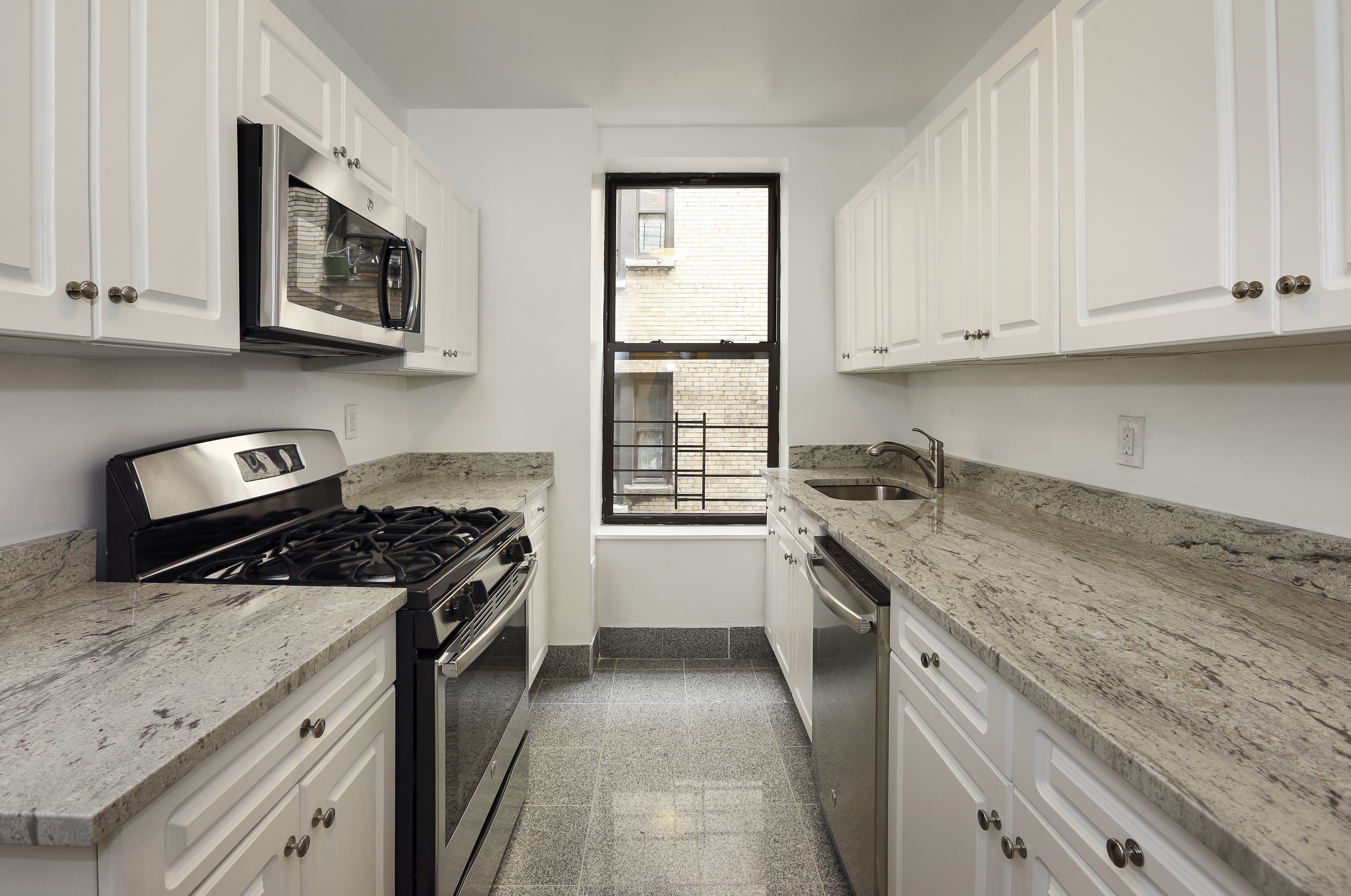 Little Odessa 3 Bedroom Rental At 211 Brighton 15 St Brooklyn Ny 11235 1a 2450 Apartable